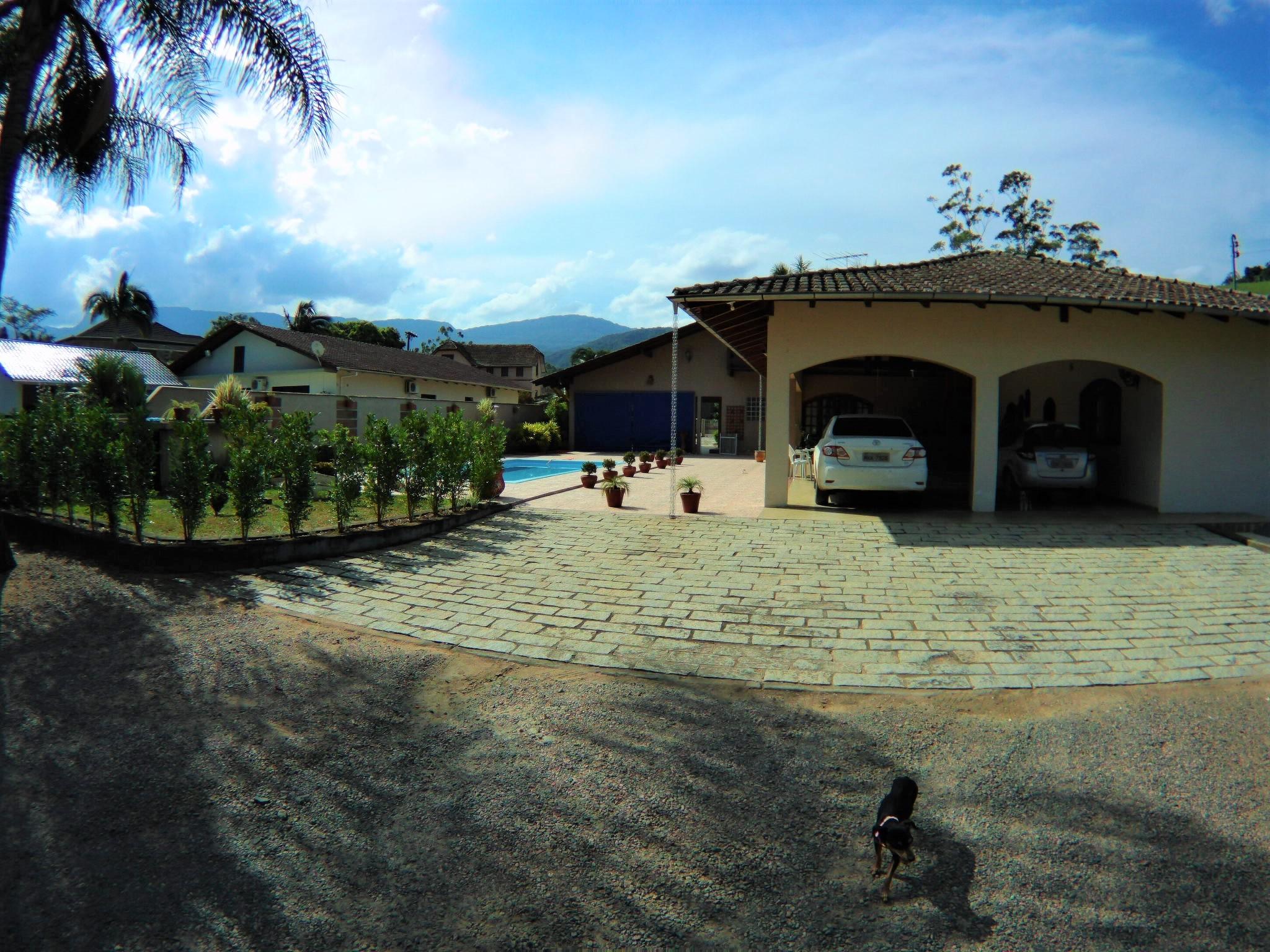 Magnífica Casa com Bosque em Ascurra/SC