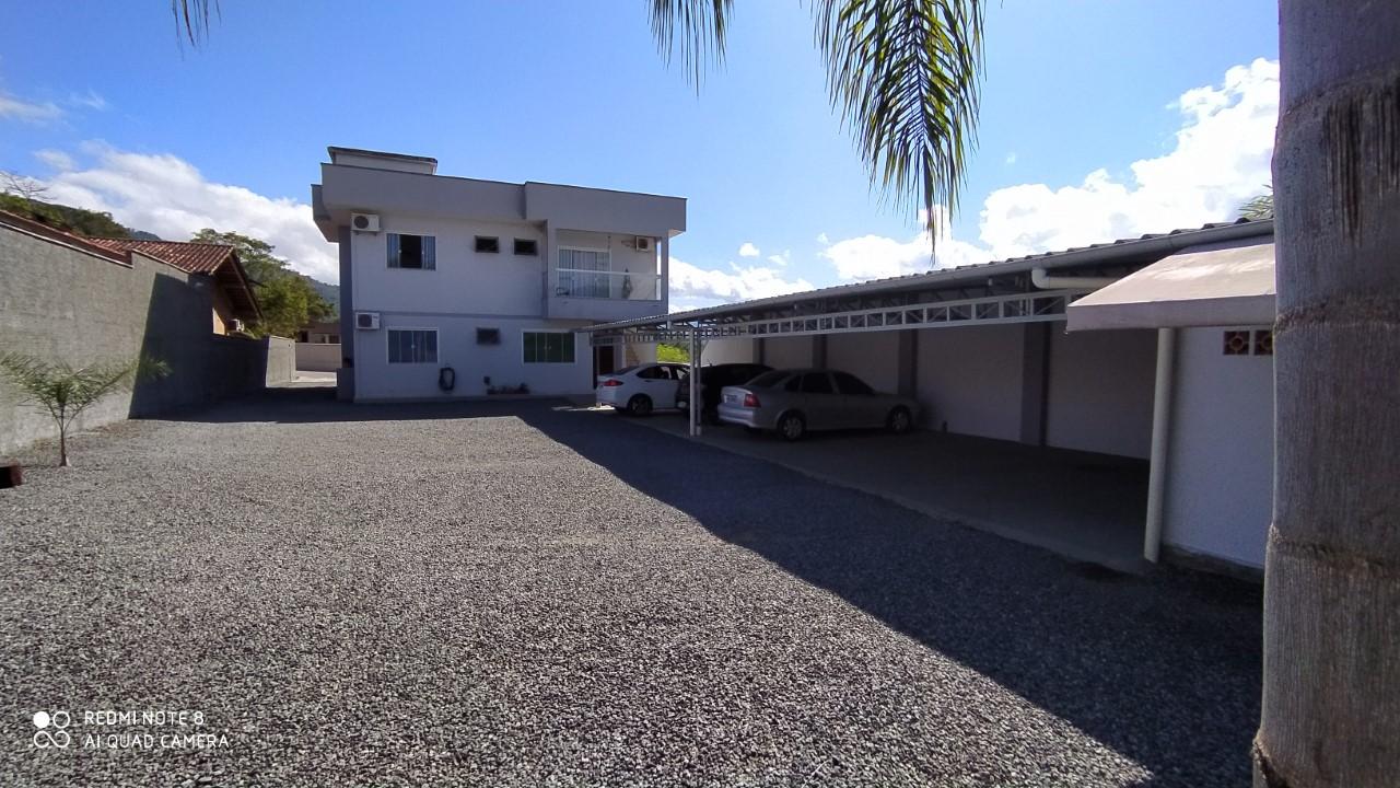PRÉDIO CONTENDO 3 APARTAMENTOS NA CIDADE DE RIO DOS CEDROS SC